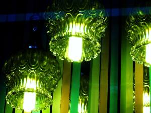 Green... another beautiful colour. Combined with lighting, it's just gorgeous.