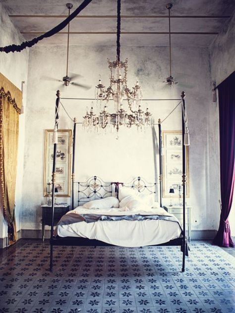 A bedroom fit for a Queen. Coqui Coqui Mérida Hotel in Mexico. (bloglovin.com)