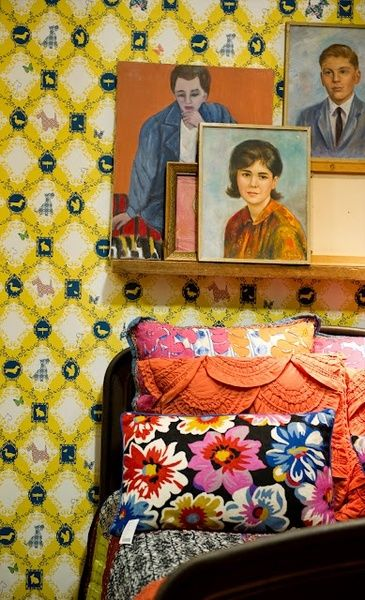 Pattern-clashing vignette. You can create a vignette from pretty much anything. (garoopatternandcolour.tumblr.com)