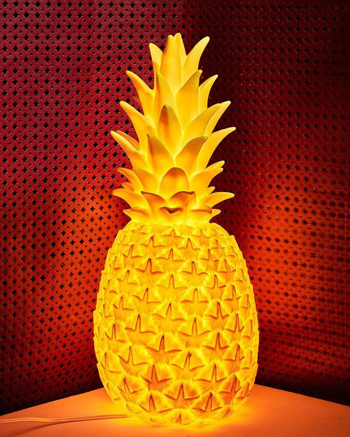 Goodnight Light Pineapple lamp. (vogue.com)