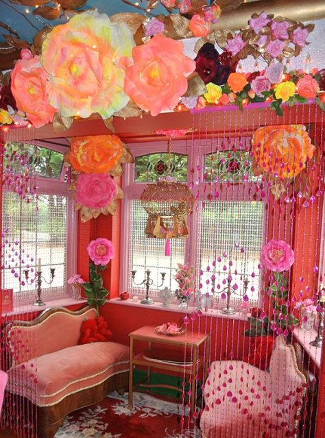 Kitsch heaven... not for the faint hearted! (pinterest)