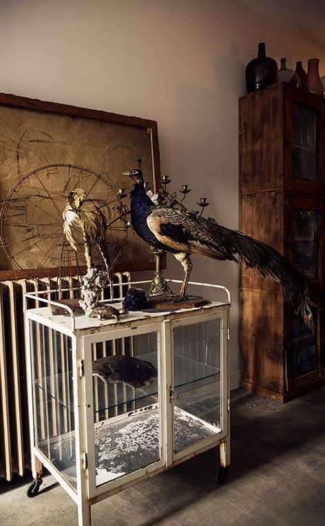 Vignettes can be dramatic and unusual. (scotch-collectables.com)