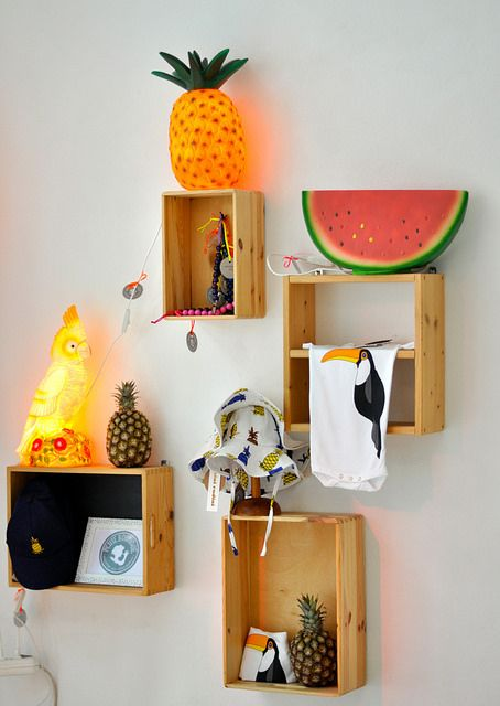 More fruity lighting. Perfect for a child's room. (pauletpaula.com)