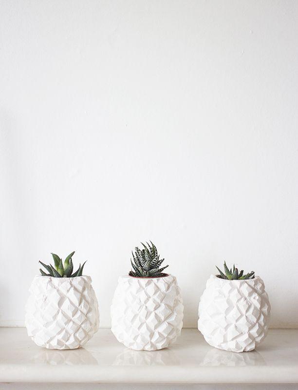 Pineapple vases. (bloglovin.com)
