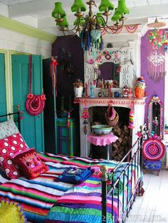 Bold colours and patterns. (pinterest)