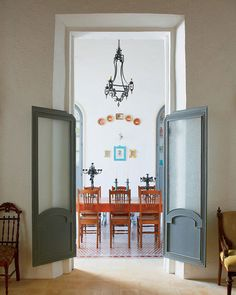 Saloon doors. (pinterest)