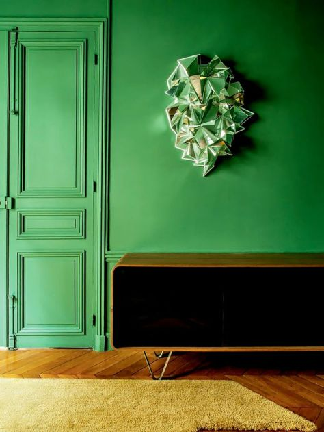 A bold green door. (http://avaxhome.ws/blogs/FAV2009)