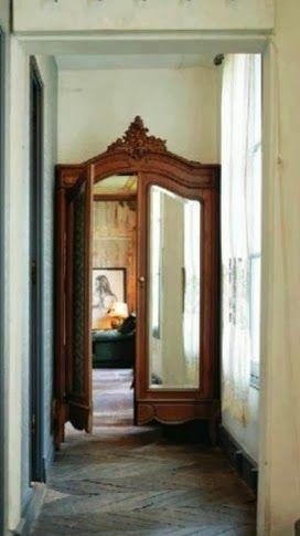 Fairytale door. (pinterest)