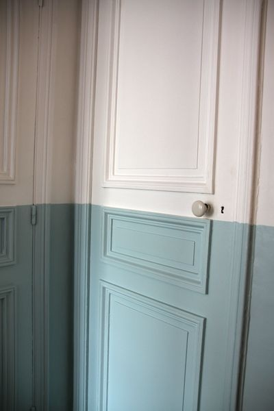 Two-tone door. (pinterest)